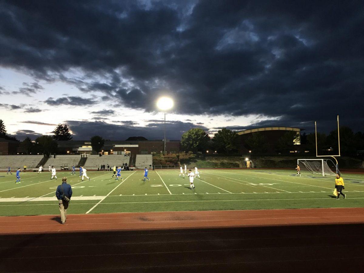 Twilight+on+the+soccer+field