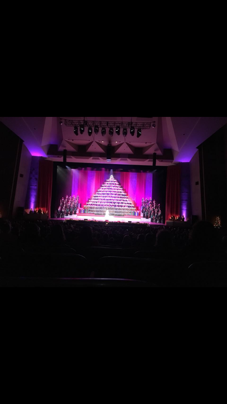 Wilsonville choir perform at the singing Christmas tree