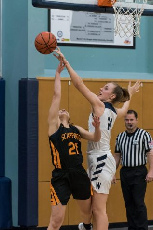 Wildcats bounce back with victory over Scappoose