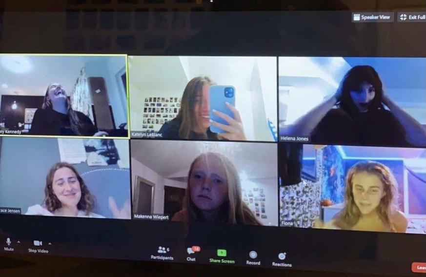 Sophomore friends Fiona Dunn, Makenna Wiepert, Katelyn LeBlanc, Ainsley Kennedy, Grace Jensen, and Helena Jones all taking part in a friend group zoom meeting.