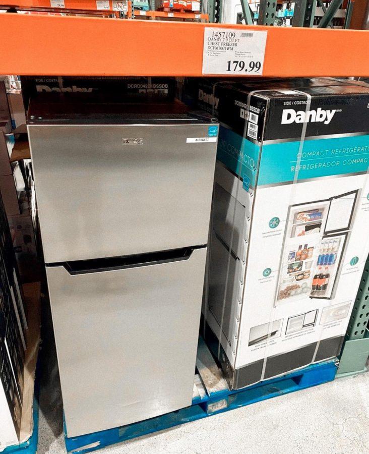 Mini fridge and freezer
