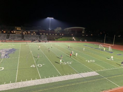 Parkrose and Wilsonville on the field during second half. Wilsonville ultimately took the win with a score of 9-1.