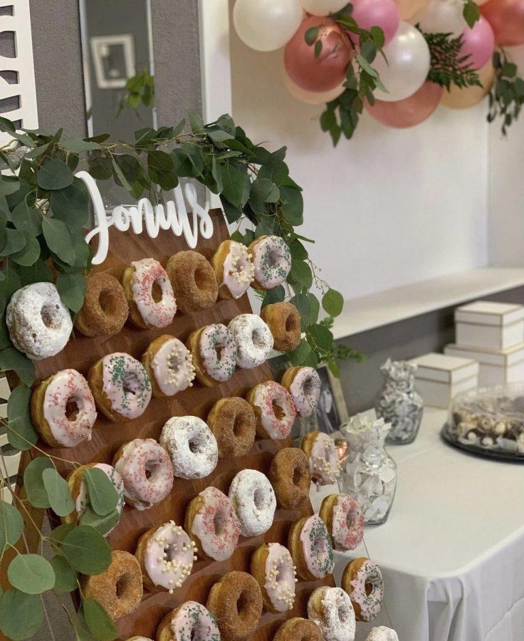 Donut wall / Bubbly wall