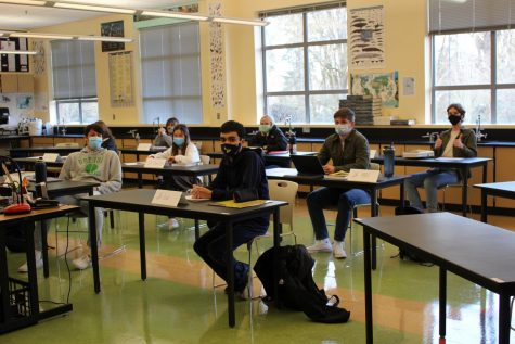 One of the AP Biology classes on the first day back in the hybrid schedule. AP Biology was a quarter one and three class where students have a three week break between the end of class and their AP test.