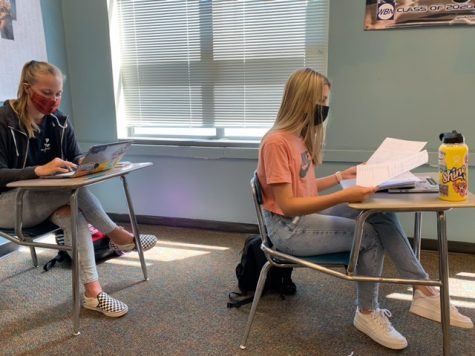 Seniors Maddy Duquette and Emilia Bishop are studying for upcoming AP tests.