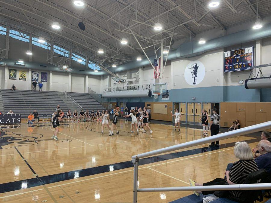Girls+Varsity+playing+defense+against+Beaverton.+