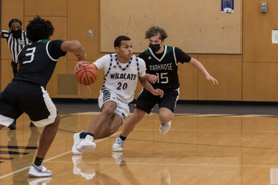 Sophmore, Amari Hodges plays incredible defense. Photo courtesy of Greg Artman.