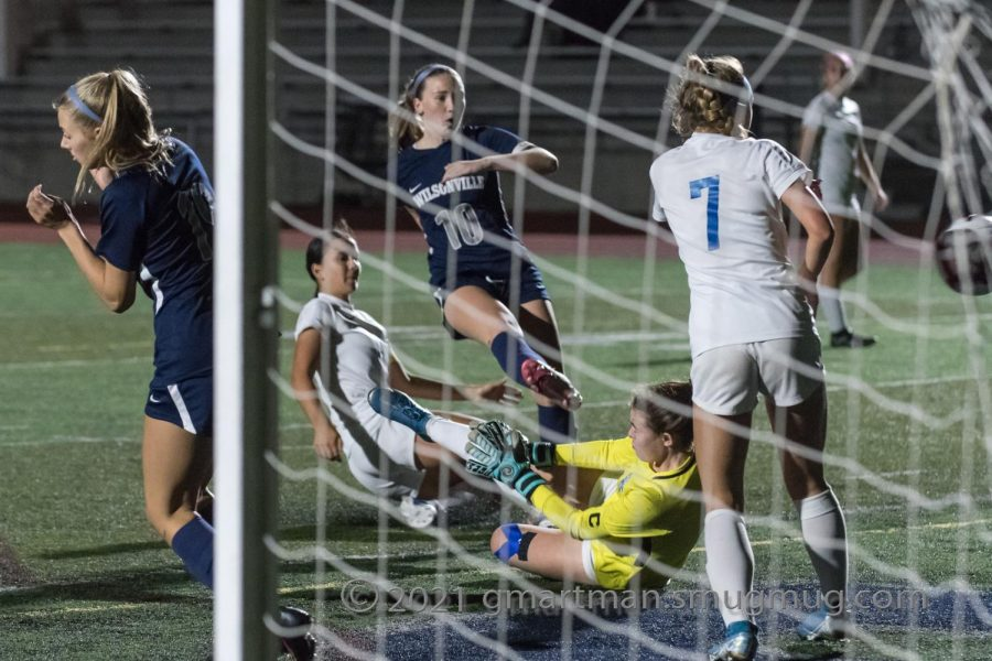 Lindsey Antonson scoring in a previous game.